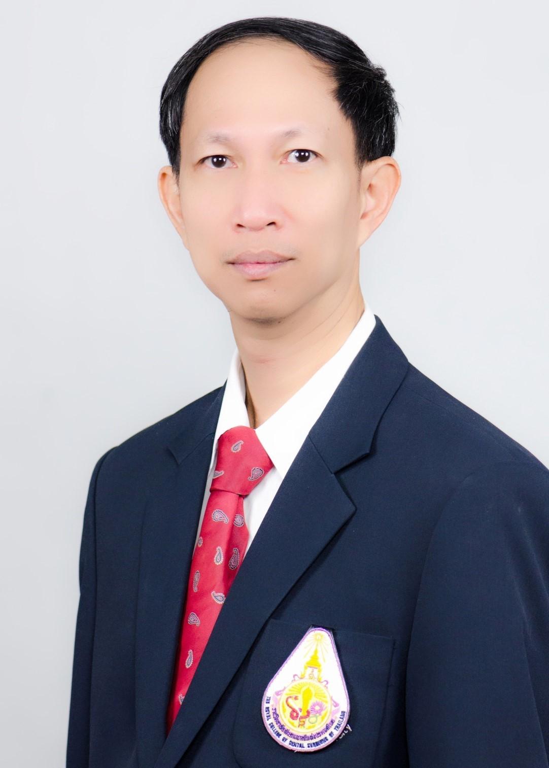 รองศาสตราจารย์ ทันตแพทย์กิตติพงษ์  ดนุไทย